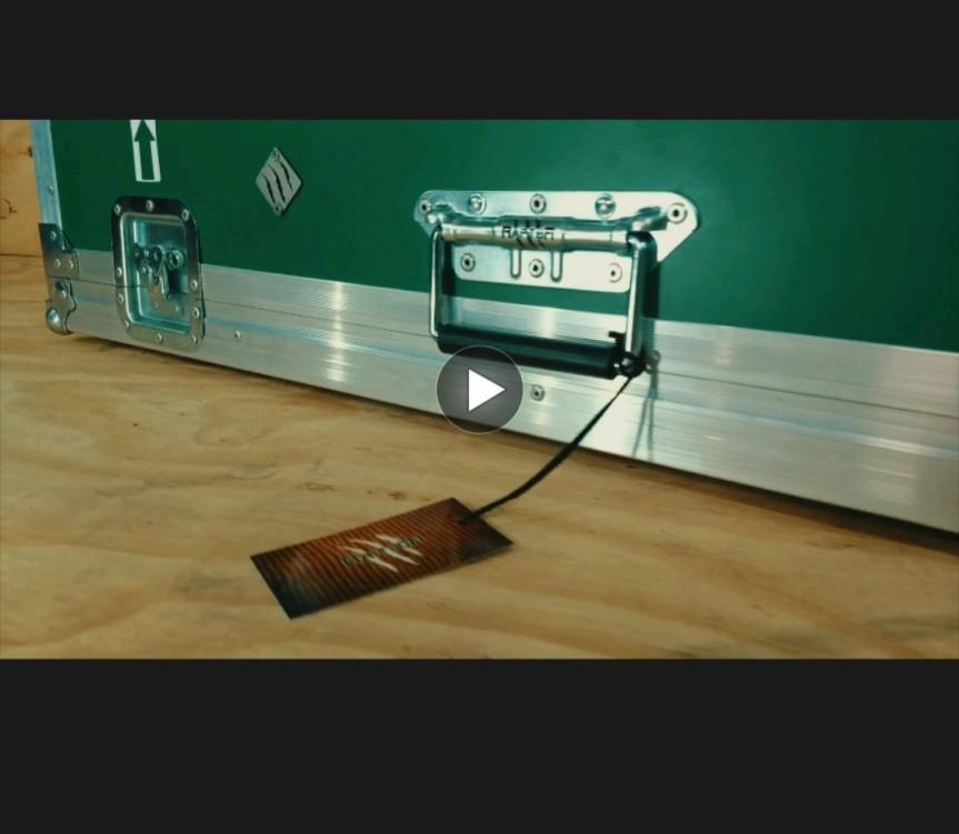 Plataforma inclinada para pedales(pedalboard)