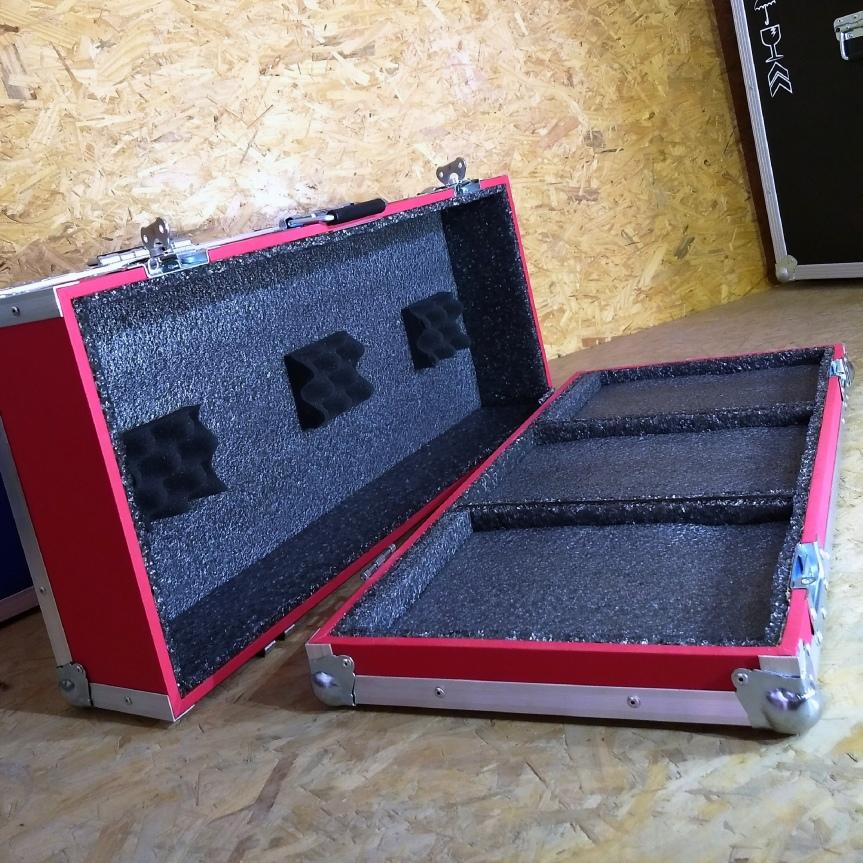 Estuche rígido Custom para set de Dj – bandejas y mixerindependientes